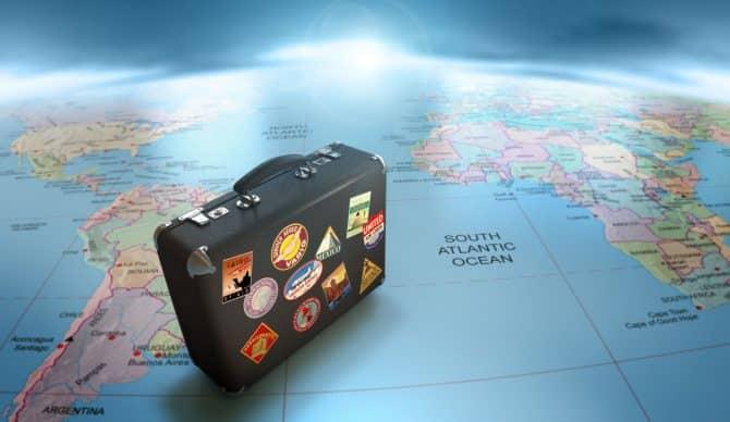 ¿Me cubre el seguro de vida si vivo en el extranjero?
