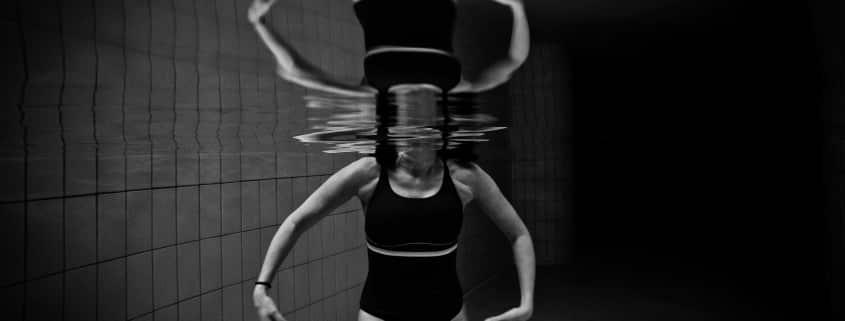 nadar adelgazar el abdomen marcados