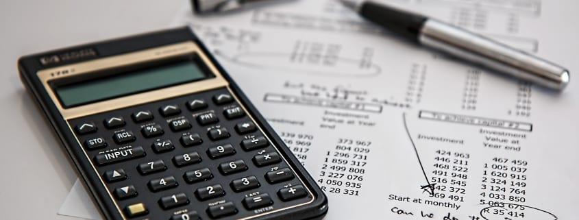 AEGON - Cuanto gasta españoles seguro