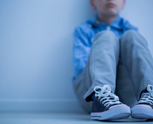 niño afectado por sindrome de asperger