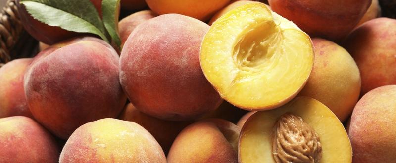 Frutas y hortalizas de primavera melocotones