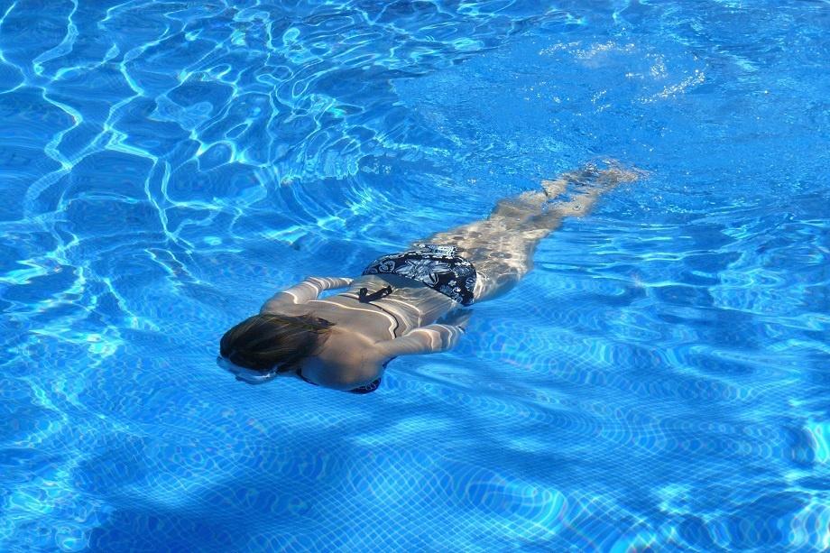 la natacion, buen ejemplo de deporte en verano