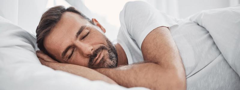 el buen uso de la almohada es uno de los trucos para dormir rapido