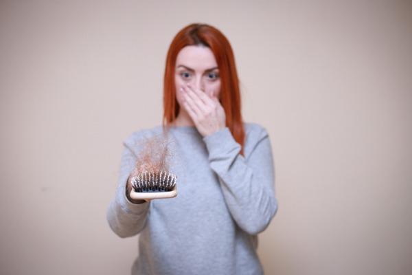 Los complejos vitaminicos pueden fortalecer el cabello