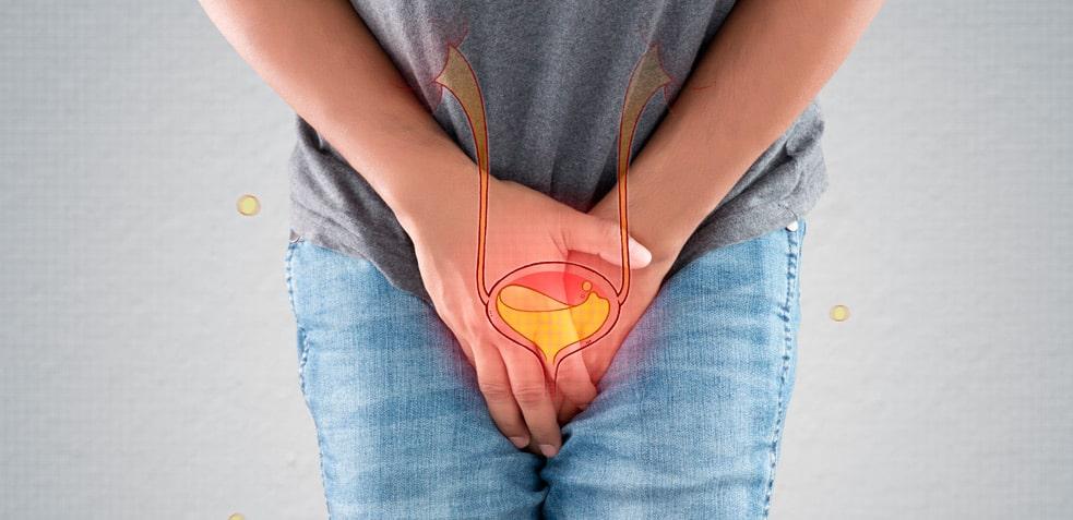 Persona con problemas para orinar probablemente provocados por una infección de orina