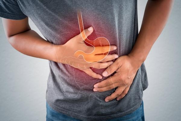 La manzanilla reduce el hinchazón abdominal