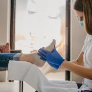 infección por hongo en las uñas, tratamiento médico